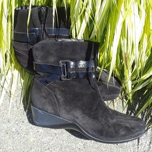Clarks leather suede ankle boots